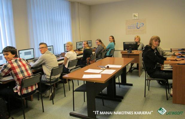 """LatInSoft apmācības Daugavpilī projekts """"IT manai nākotnes karjerai"""""""